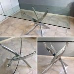 TABLE PLATEAU EN VERRE ET PIED INOX
